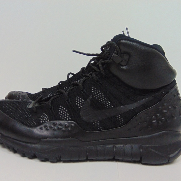 check out 58df4 c2427 NEW Nike Mens Lupinek Flyknit Anthracite Boots